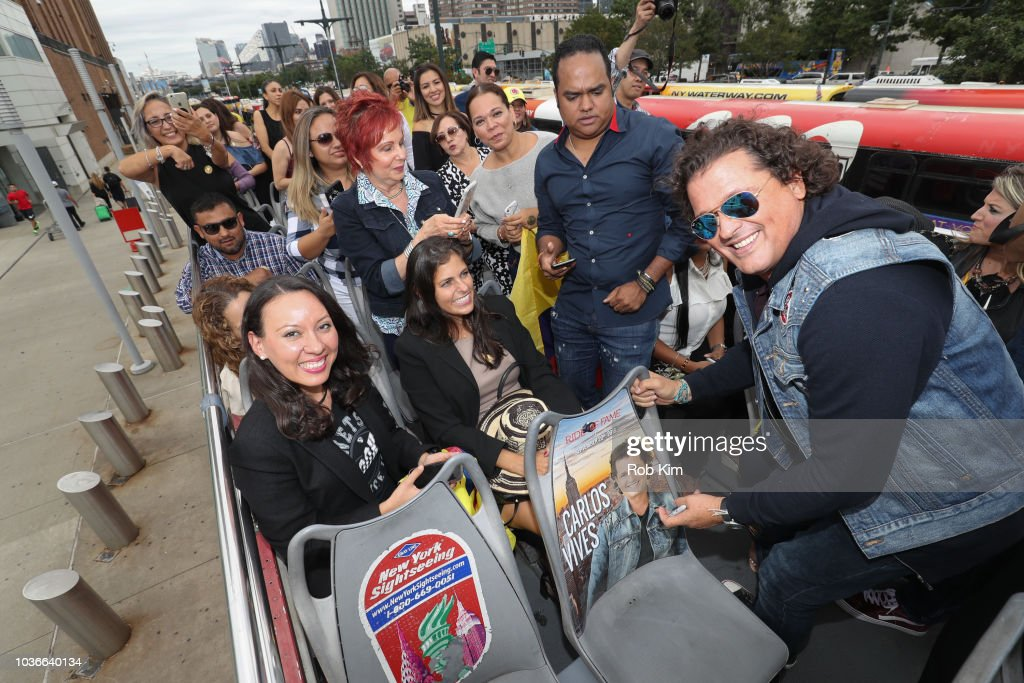 "Carlos Vives, International Singer/Actor, Unveils His Ride Of Fame ""IT"" bus"