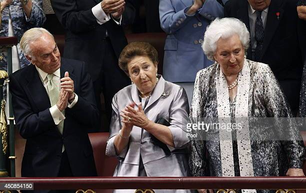 Carlos Zurita Duke of Soria Princess Margarita and Princess Pilar attend the Congress of Deputies for the proclamation of the King of Spain to the...