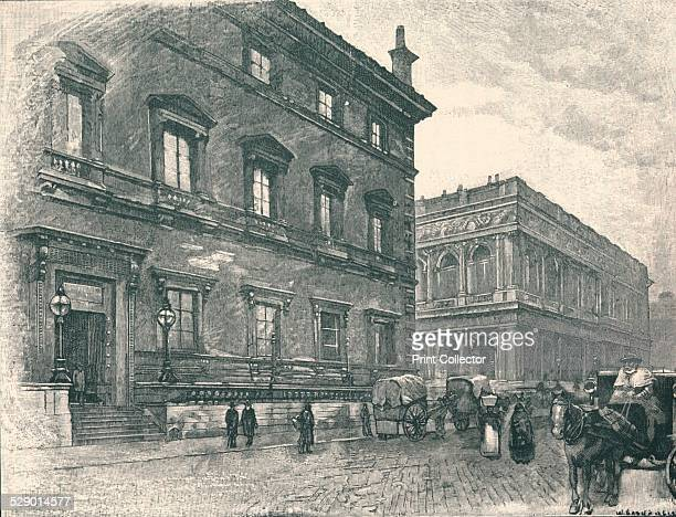 Carlton and Reform Clubs 1875 The Carlton Club was founded in 1832 and until it was destroyed by a bomb in 1940 had premises next to the Reform Club...