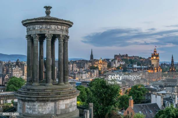 carlton hill at dusk - balmoral hotel stock pictures, royalty-free photos & images