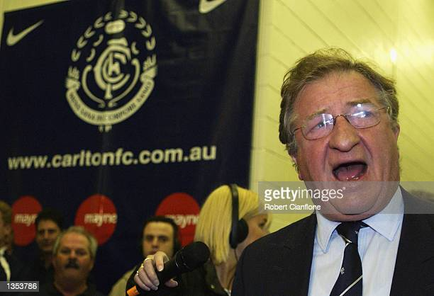Carlton President John Elliott addresses the players after the round 21 AFL match between the Western Bulldogs and the Carlton Blues played at the...