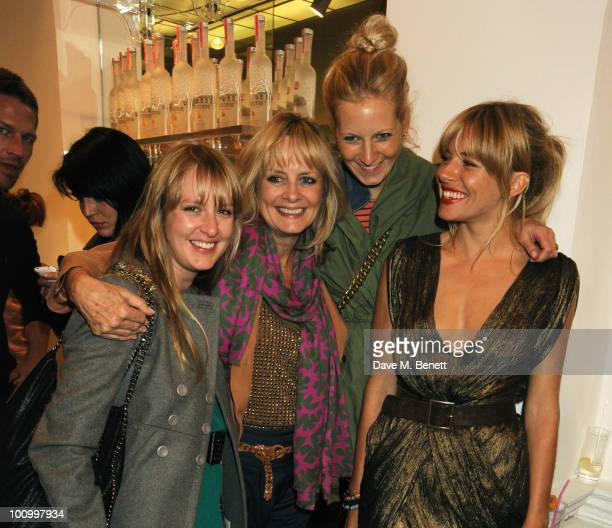 Carly Lawson Twiggy Savannah Miller and Naomi Campbell attend the Matthew Williamson and Belvedere Vodka party to celebrate their collaboration at...