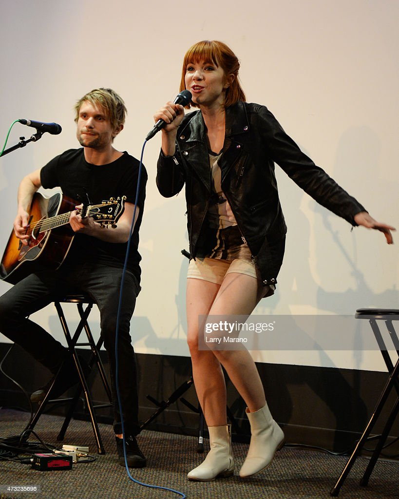 Carly Rae Jepsen performs at Radio Station Y-100 on May 13, 2015 in Miami, Florida.