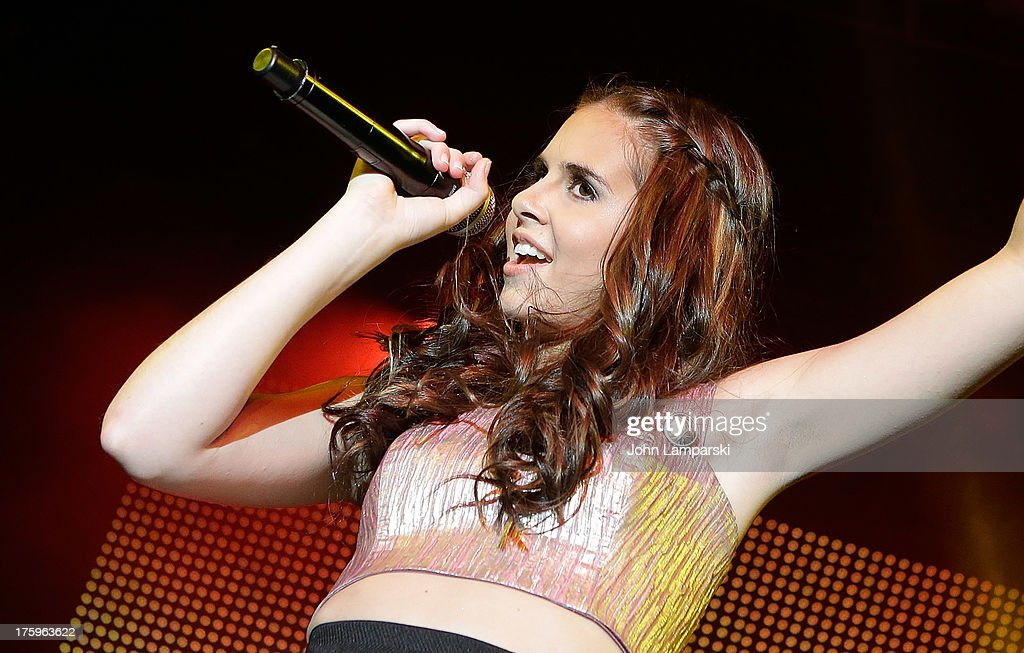 Michael Pollack And Carly Rose Sonenclar In Concert : News Photo