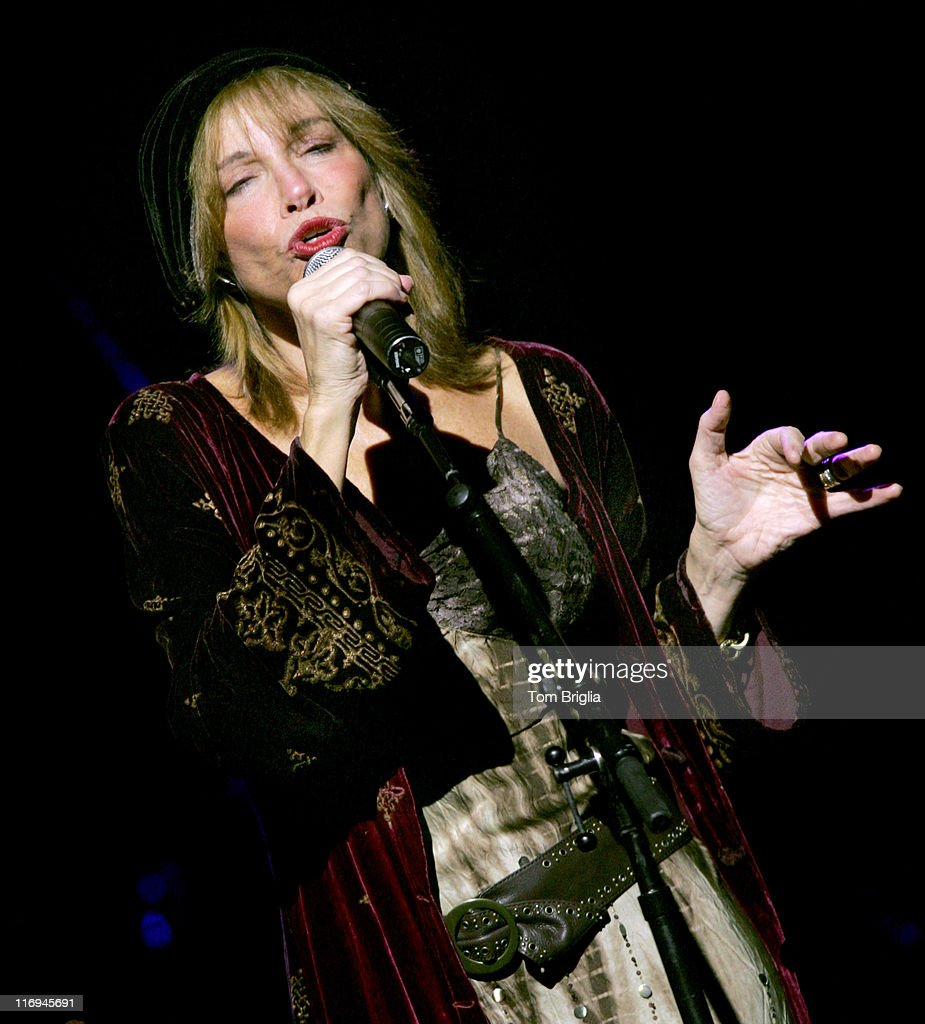 Image result for Carly Simon concert