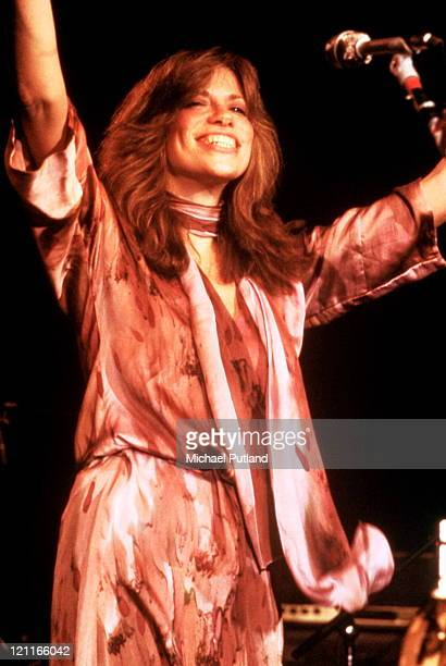 Carly Simon performs on stage New York April 1978
