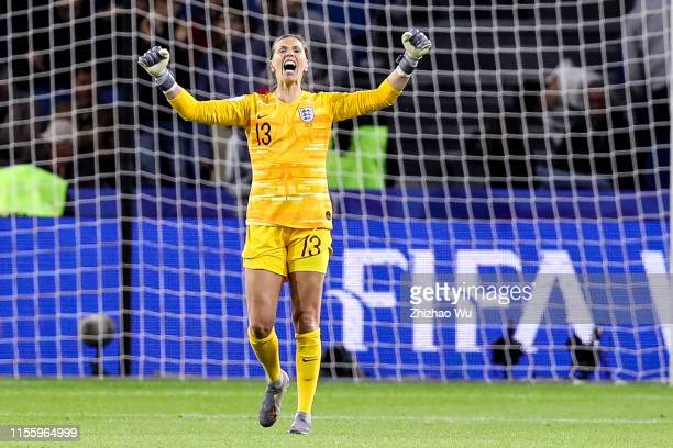Carly Telford of England celebrates the victory after the 2019 FIFA Women's World Cup France group D match between England and Argentina at on June...