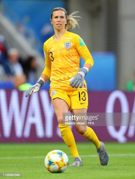 Carly Telford of England passes the ball during the 2019 FIFA Women's World Cup France group D match between England and Argentina at on June 14 2019...