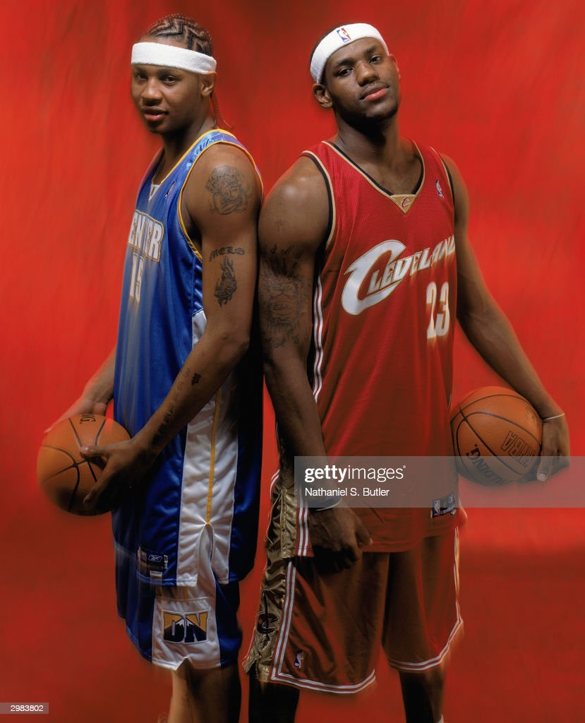 ¿Cuánto mide Carmelo Anthony? - Altura - Real height Carmelo-anthony-of-the-denver-nuggets-and-lebron-james-of-the-pose-picture-id2983802