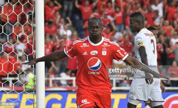 Carmelo Valencia of America celebrates after scoring the first goal of his team during a match between America de Cali and Deportes Tolima as part of...