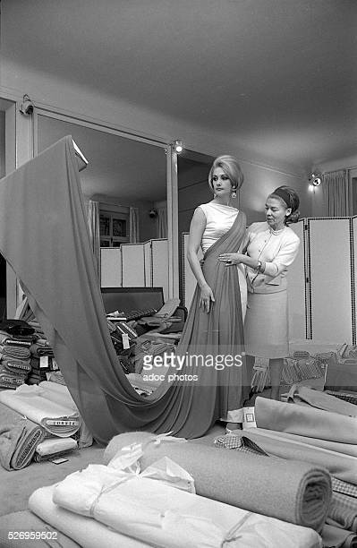 Carmen de Tommaso founder of the French fashion house Carven during the preparation of her collection In 1965