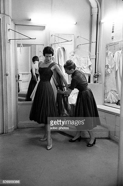 Carmen de Tommaso , French fashion designer founder of the founder of the fashion house Carven . In 1961.