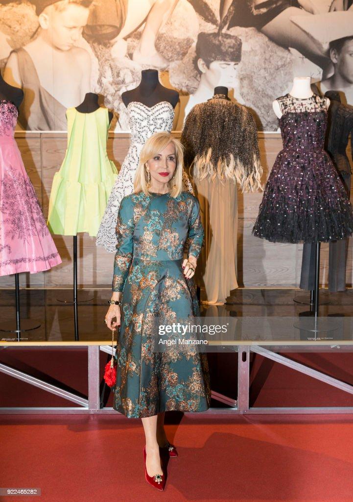 Celebrities Arrive At 'El Armario de Carmen Lomana' Exhibition Presentation Party : Nachrichtenfoto