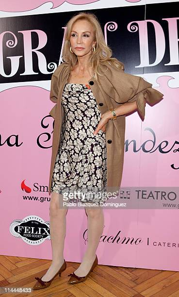 Carmen Lomana attends 'La Gran Depresion' premiere at Infanta Isabel Theatre on May 19 2011 in Madrid Spain