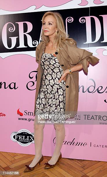 Carmen Lomana attends 'La Gran Depresion' premiere at Infanta Isabel Theatre on May 19, 2011 in Madrid, Spain.