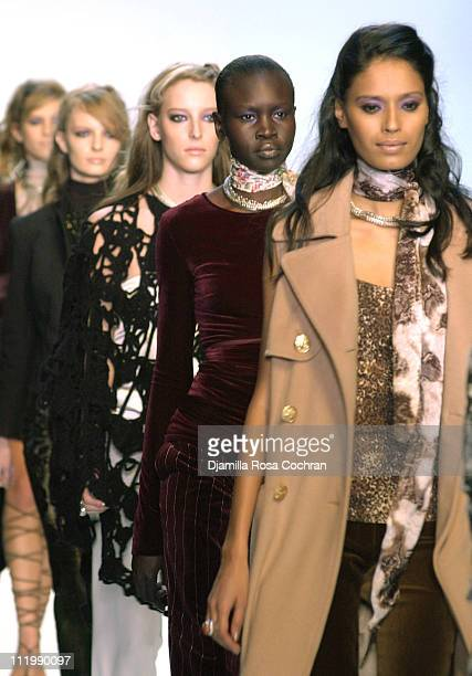 Carmen Maria Hillestad and Alek Wek and models in Chaiken Fall 2003 finale