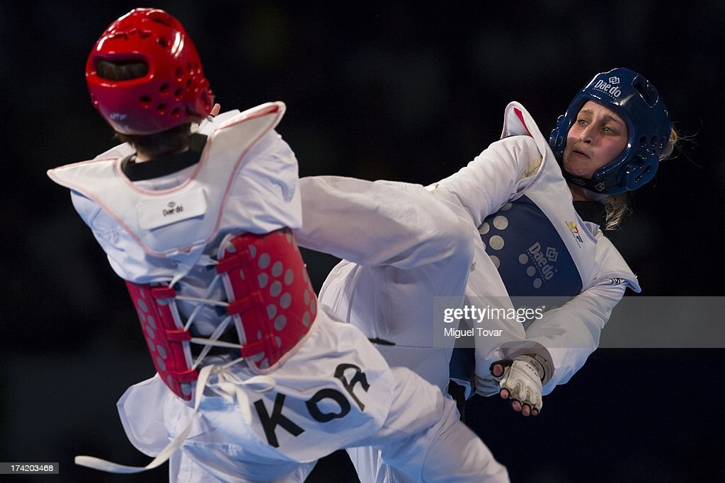 Carmen Marton of Australia (blue) competes with Hwi-Lang Kim of Korea (red) women's -62 kg final combat of WTF World Taekwondo Championships 2013 at the exhibitions Center on July 21, 2013 in Puebla, Mexico.