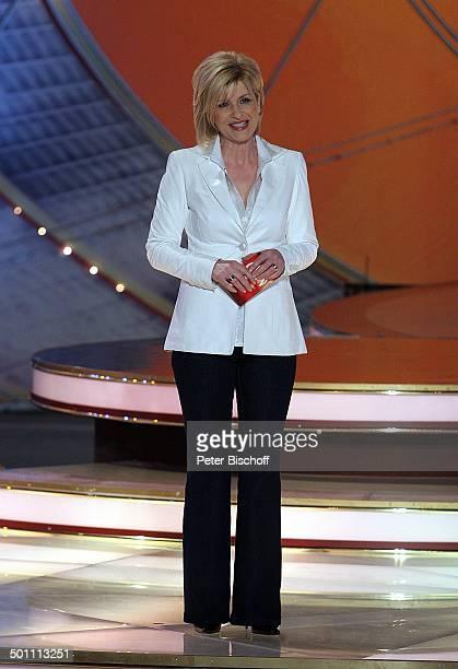 Carmen Nebel ZDFShow 'Willkommen bei Carmen Nebel' Riesa Sachsen Deutschland Europa Erdgasarena Auftritt Bühne Moderatorin Promi TP FTP PNr 835/2008...