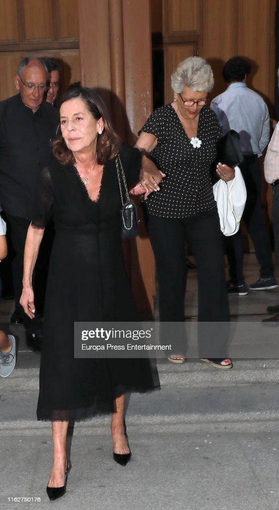 Celebrity Attends Arturo Fernandez's Funeral Mass in Madrid : Fotografía de noticias
