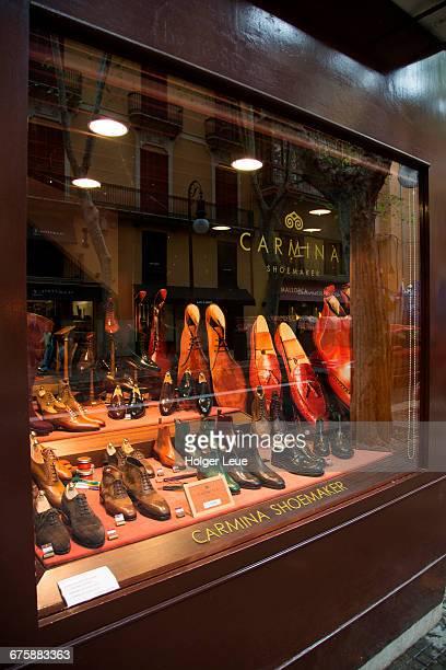 Carmina Shoemaker shop window display