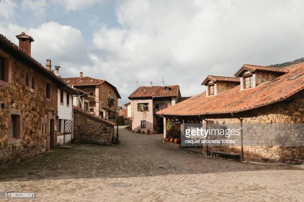 carmona landscape photography - cantabria fotografías e imágenes de stock
