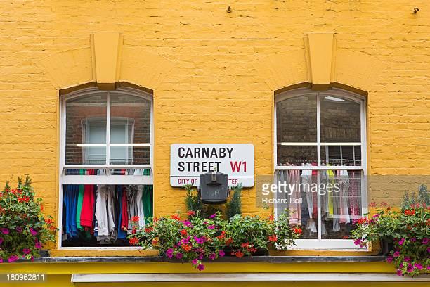 carnaby street in london - ロンドン ソーホー ストックフォトと画像