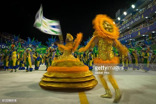 carnaval 2016 - porte drapeau photos et images de collection