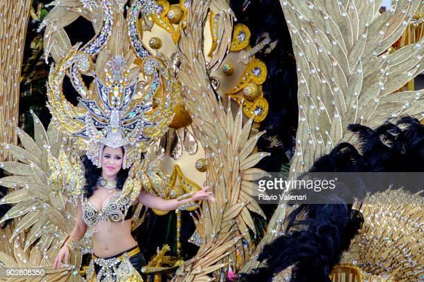 carnaval en santa cruz de tenerife, islas canarias - españa - isla de tenerife fotografías e imágenes de stock
