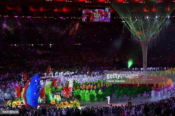 Carnival dancers perform during the Closing Ceremony on Day 16 of the Rio 2016 Olympic Games at Maracana Stadium on August 21 2016 in Rio de Janeiro...