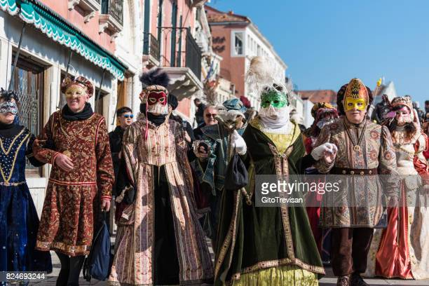 carnival masks of venice - carnaval de veneza imagens e fotografias de stock