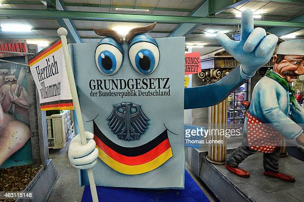 Carnival parade float under the motto 'Hier gelte nur ich' satirizing the preliminary proceedings about the Dieter Nuhr at the on February 10 2015 in...
