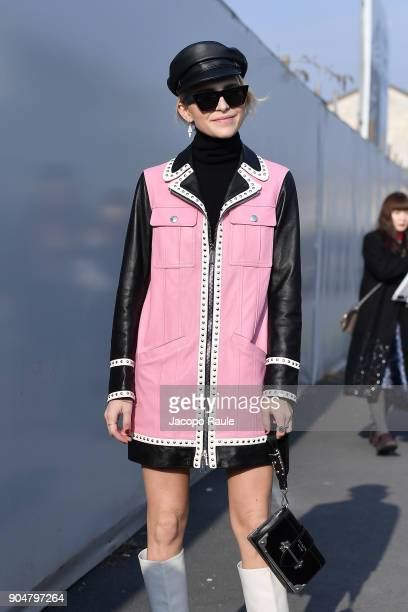 Caro Daur arrives at the Dsquared2 show during Milan Men's Fashion Week Fall/Winter 2018/19 on January 14 2018 in Milan Italy