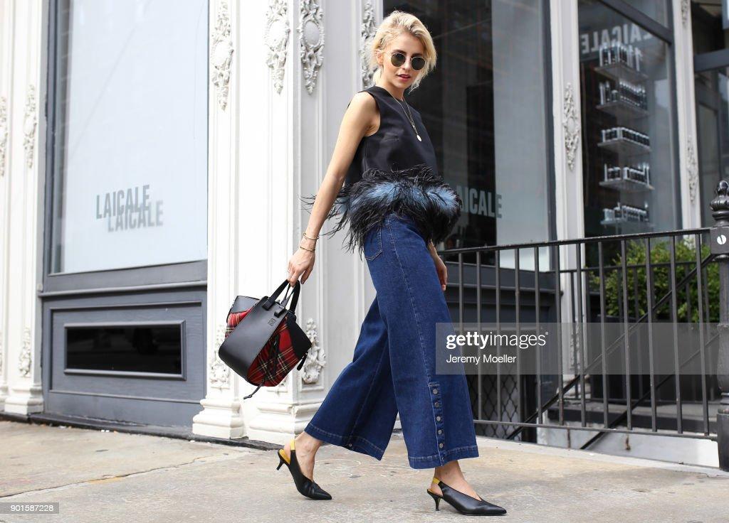 Street Style 2017 : News Photo