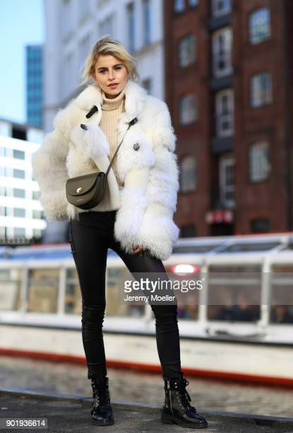 Caro Daur wearing a Mansur Gavriel bag on October 30 2017 in Hamburg