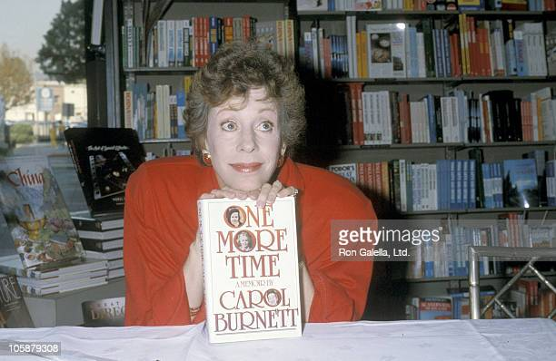 Carol Burnett during Carol Burnett Autographing Her Book One More Time December 13 1986 at Brentano's Bookstore in Beverly Hills California United...