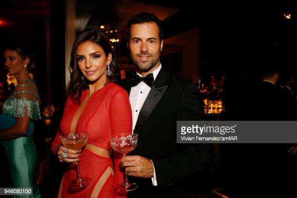 Carol Celico and Eduardo Scarpa attend the 2018 amfAR gala Sao Paulo at the home of Dinho Diniz on April 13 2018 in Sao Paulo Brazil