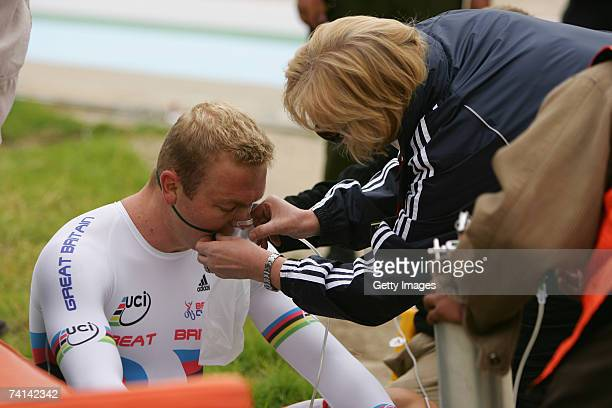 Carol Hoy helps her son Chris Hoy of Great Britain to take on oxygen after his failed attempt to break the World 1 Kilometre Altitude Record at the...