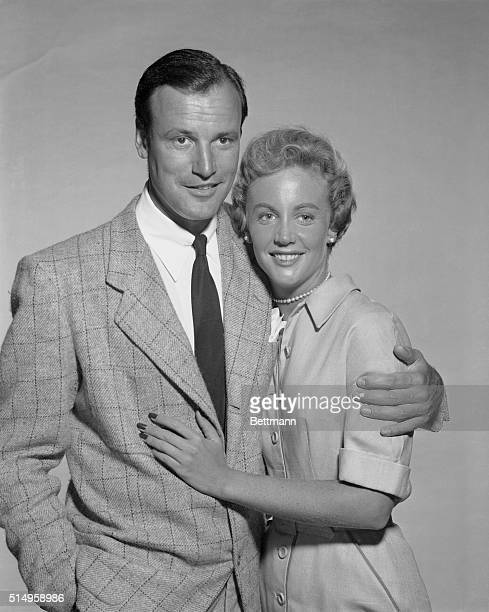 Carol Lee Ladd stepdaughter of actor Alan Ladd embraces Richard Anderson an actor as they announce their engagement in Hollywood She is the daughter...