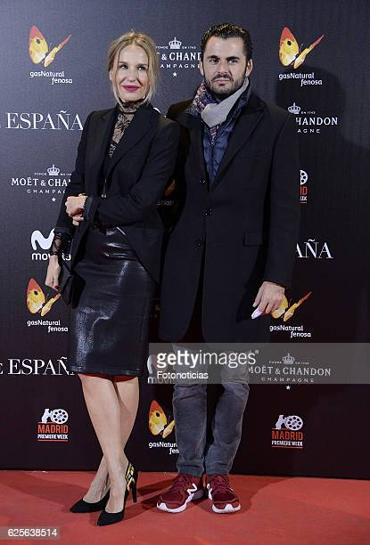 Carola Baleztena and Emiliano Suarez attend 'La reina de Espana' Madrid premiere at Callao City Lights cinema on November 24 2016 in Madrid Spain