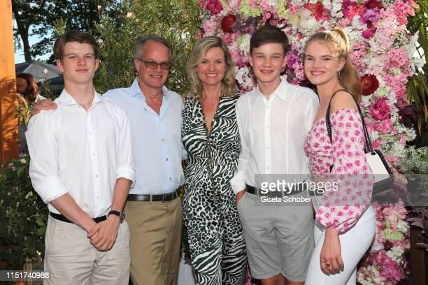 Carola Ferstl and her husband Anton Voglmaier with their children Leonard Voglmaier Georg Voglmaier Lilly Voglmaier during the Ein Herz fuer Kinder...