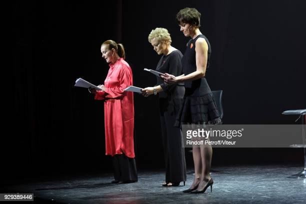 Carole Bouquet Muriel Robin and Anne Le Nen Perform 'Les Monologues du Vagin' during 'Paroles Citoyennes 10 shows to wonder about the society' at...