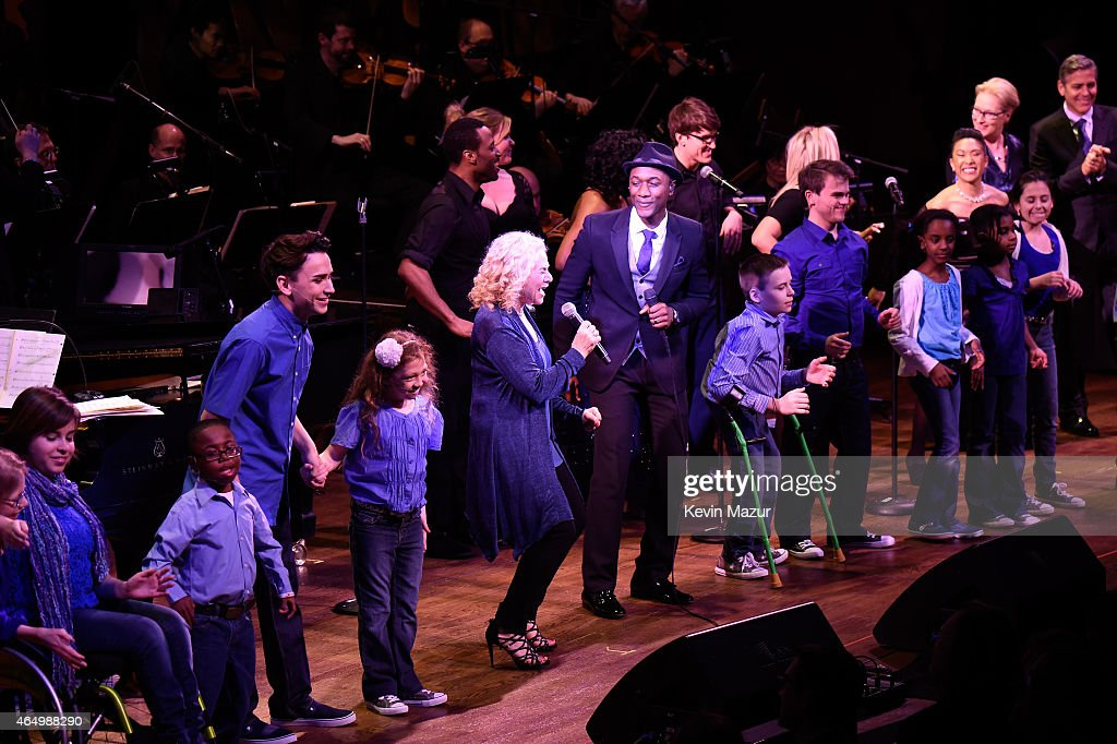 Carole King and Aloe Blacc perform onstage during SeriousFun Children's Network 2015 New York Gala: An Evening Of SeriousFun Celebrating the Legacy Of Paul Newman at Avery Fisher Hall at Lincoln Center for the Performing Arts on March 2, 2015 in New York City.