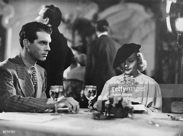 Carole Lombard and Fred MacMurray star in the Paramount film 'Hands Across The Table' directed by Mitchell Leisen