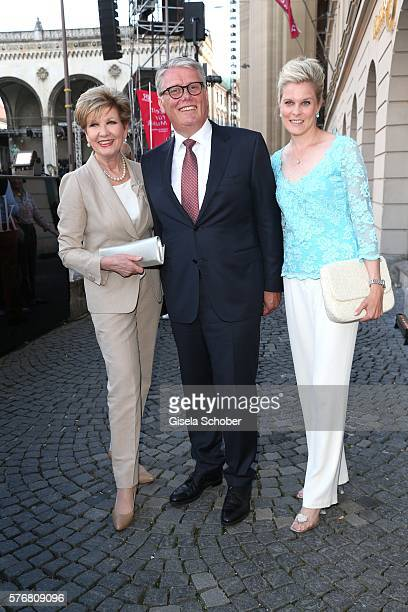 Carolin Reiber and her daughter in law Cathrin Maier, host Ulrich Kowalewski, Mercedes Benz Muenchen , during the Mercedes-Benz reception at 'Klassik...