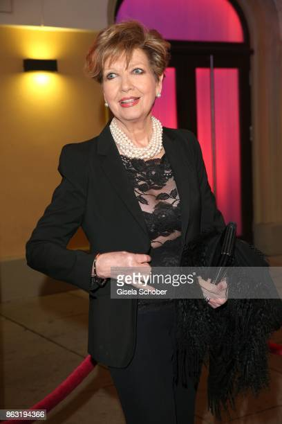 Carolin Reiber during the musical premiere of 'Santa Maria' at Deutsches Theater on October 19 2017 in Munich Germany