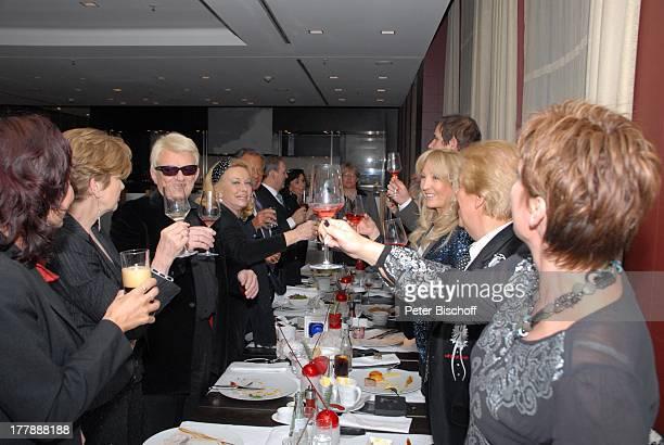 Carolin Reiber Heino Ehefrau Hannelore Kramm Gottlieb Löffelhardt Susanne Beck Mel Jersey Ehefrau Judith Jan Mewes und weitere Gäste Feier zum 72...