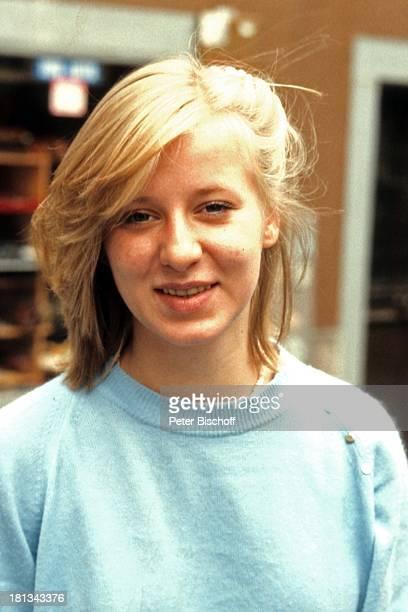 Carolin van Bergen Porträt Portraitgeb 27 März 1964 verstorben 26 Oktober 1990 Sternzeichen Widder neben den Theaterproben 40 Karat Rheinfelden bei...