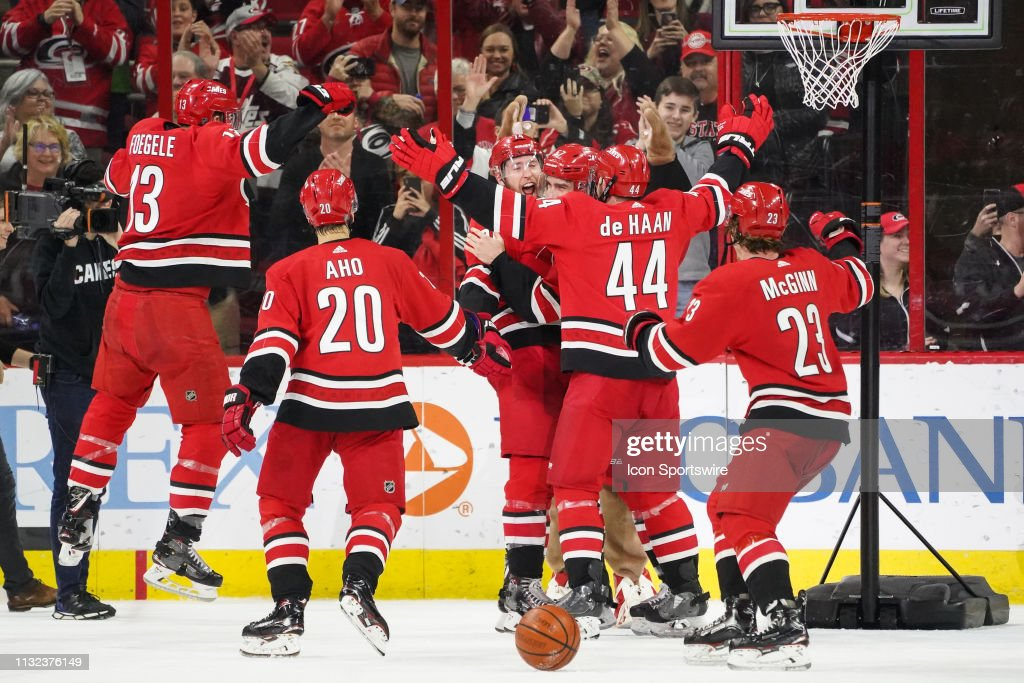 NHL: MAR 23 Wild at Hurricanes : News Photo