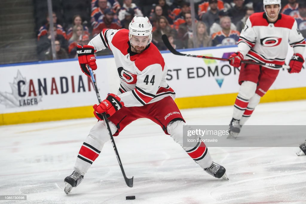 NHL: JAN 20 Hurricanes at Oilers : News Photo