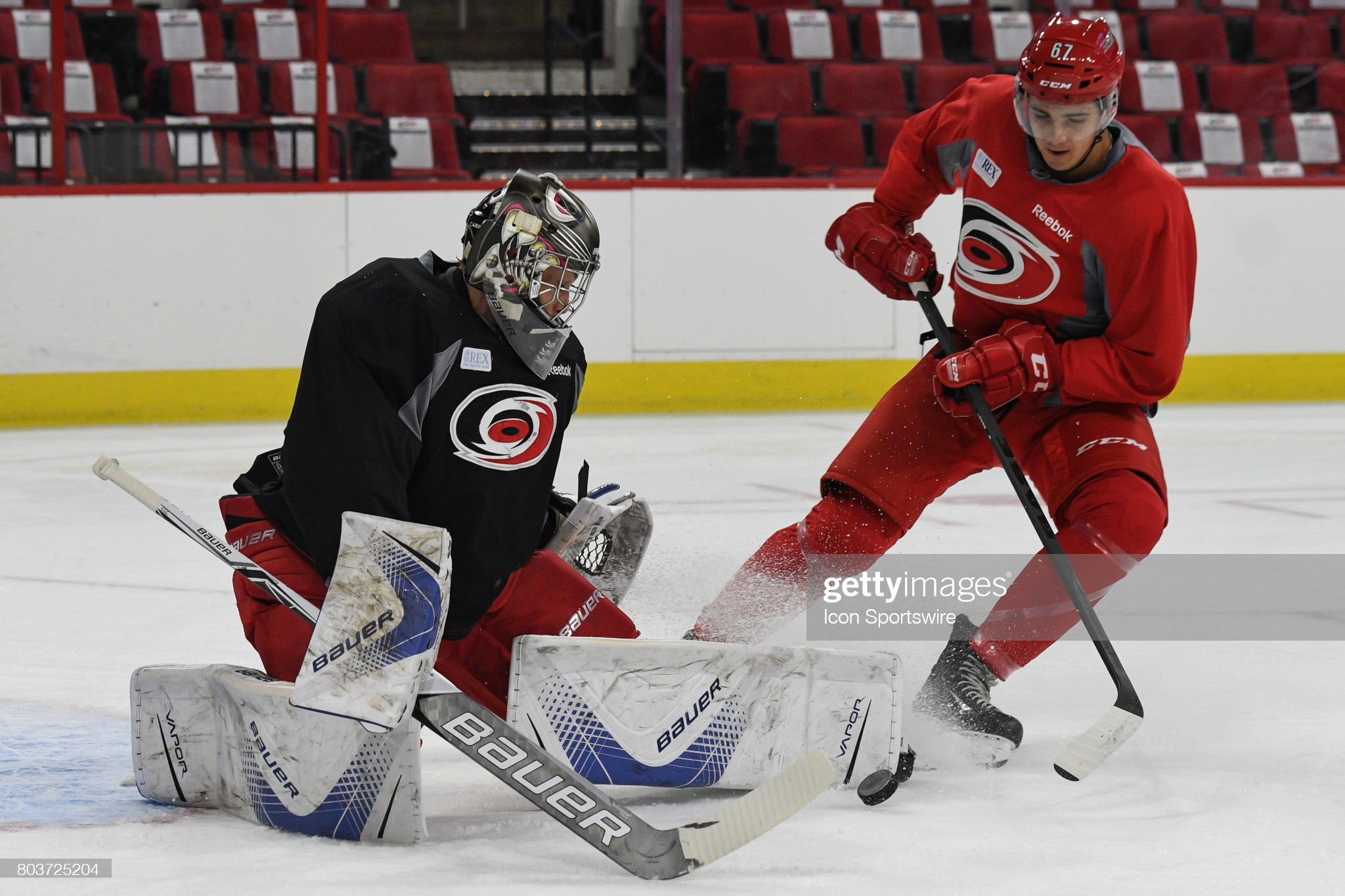 carolina-hurricanes-goalie-callum-booth-